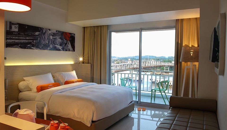 HARRIS Hotel Samarinda - HARRIS Balcony