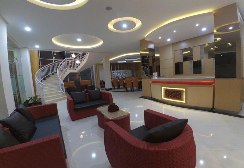 Hotel Mersi Padang - Lobi