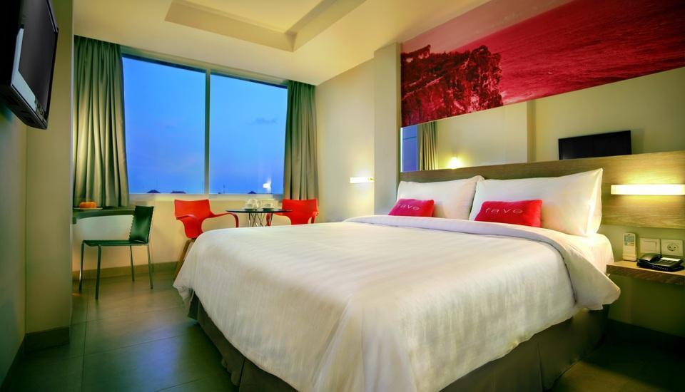 favehotel Kuta - Superior Balcony with Breakfast Regular Plan