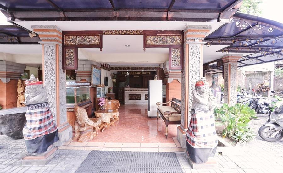 RedDoorz @Legian Street Bali - Eksterior