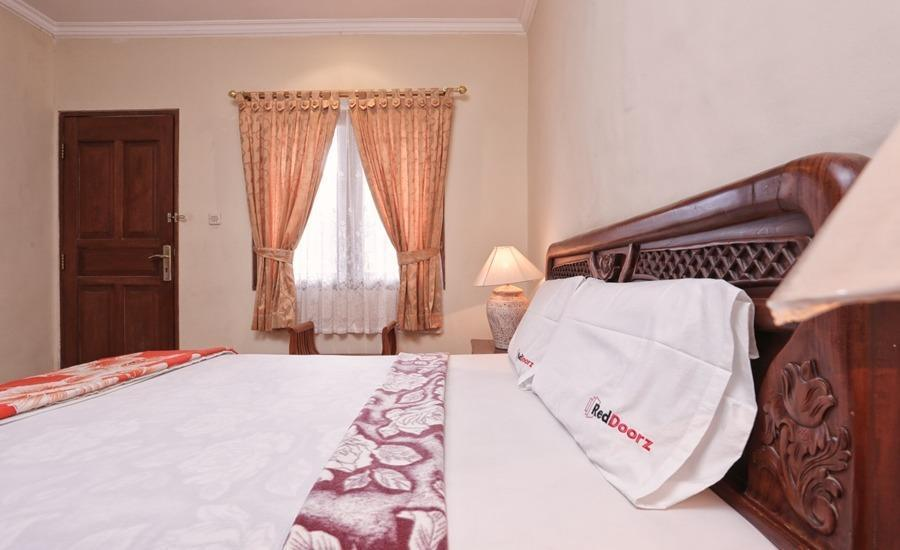 RedDoorz @Legian Street Bali - RedDoorz Room Regular Plan