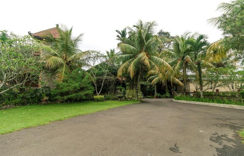 RedDoorz @ Desa Cijulang Sentul Bogor - Exterior