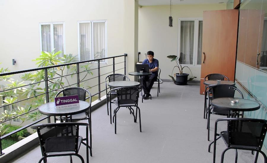 Tinggal Standard Marsekal Suryadharma Tangerang - Restoran