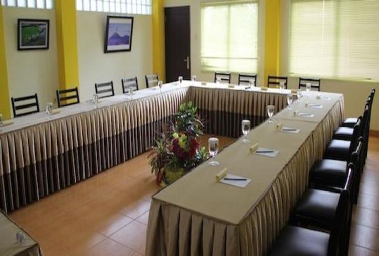 Villa Lemon Bandung - Meeting Room