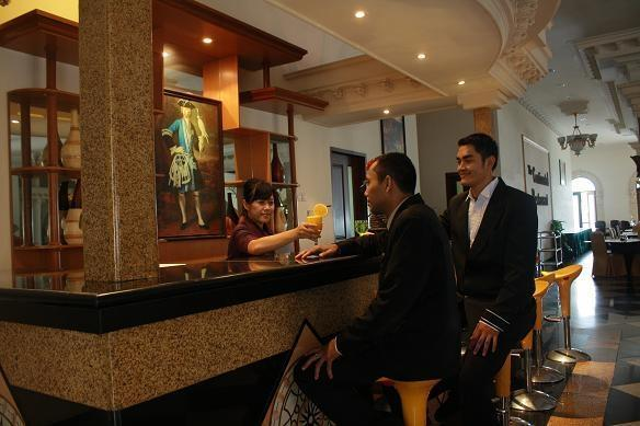 The Grand Palace Hotel Malang Malang - Restaurant The Continental