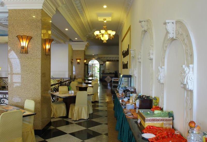 The Grand Palace Hotel Malang Malang - area sarapan