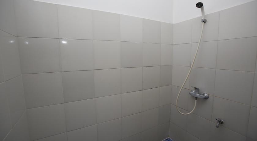 RedDoorz @Lebak Bulus Raya 3 Jakarta - Kamar mandi