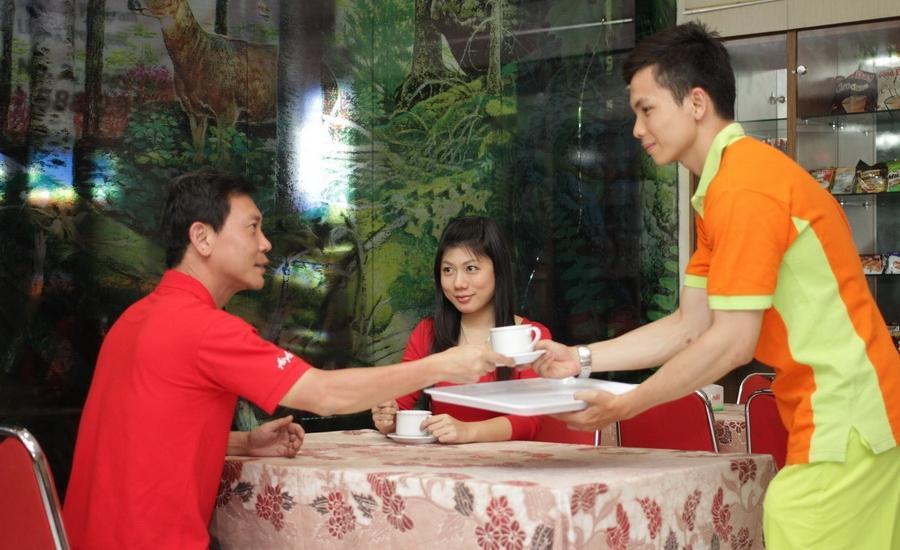 The Cabin Hotel Sutomo Yogyakarta - Toko