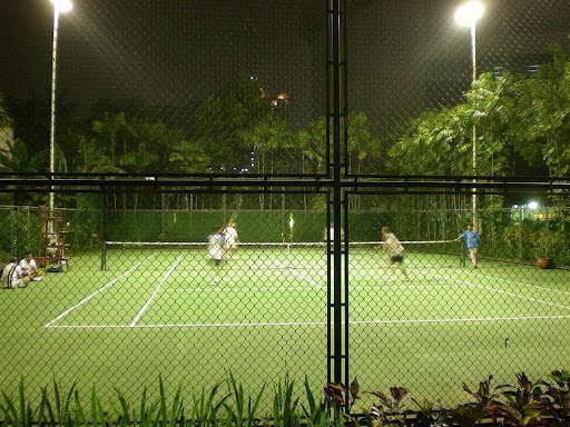 Bumi Surabaya City Resort Surabaya - Tennis Court