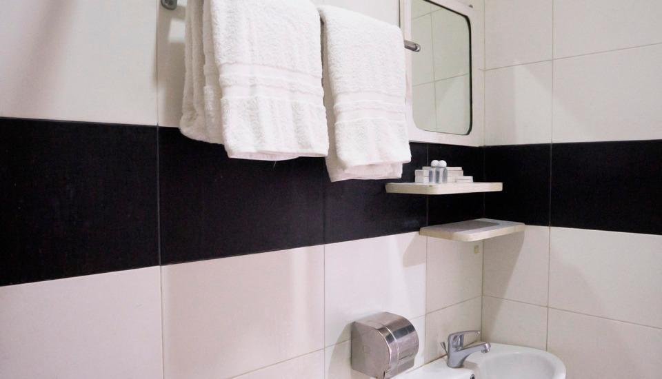 Hotel Candi Medan - Executive Bathroom