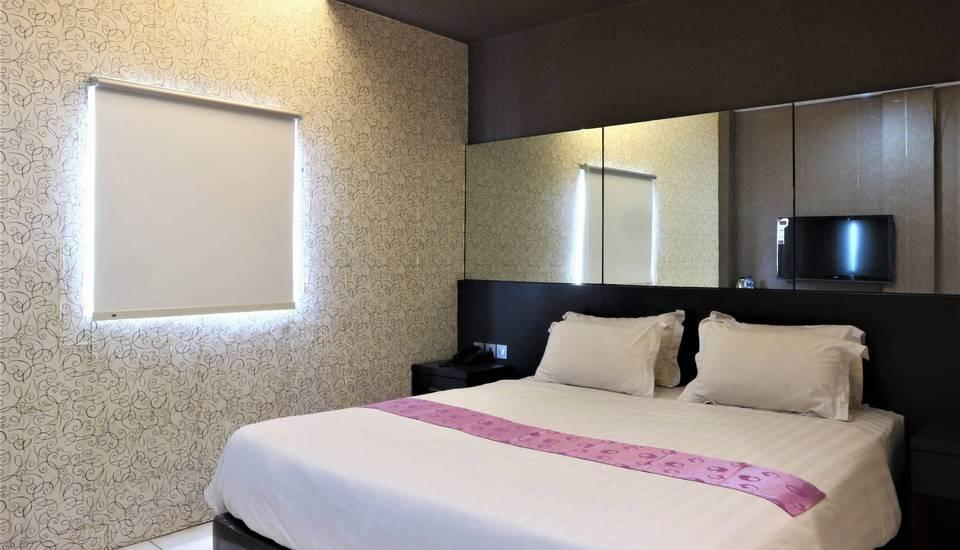 Hotel Candi Medan - Executive Room Only Stay More, Pay Less