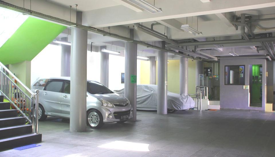 Sabda Guesthouse Jakarta - Parking