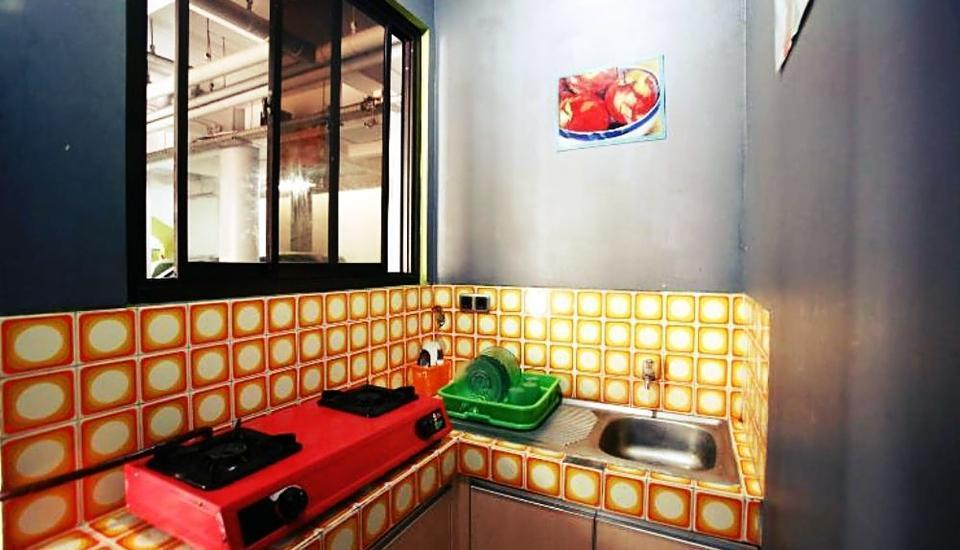 Sabda Guesthouse Jakarta - kitchen