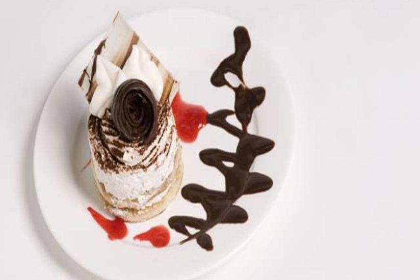 Hotel Premiere Pekanbaru - Makanan