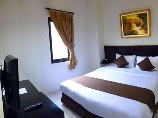 Hotel 88 Embong Kenongo Surabaya - Deluxe Double Room With Breakfast Regular Plan