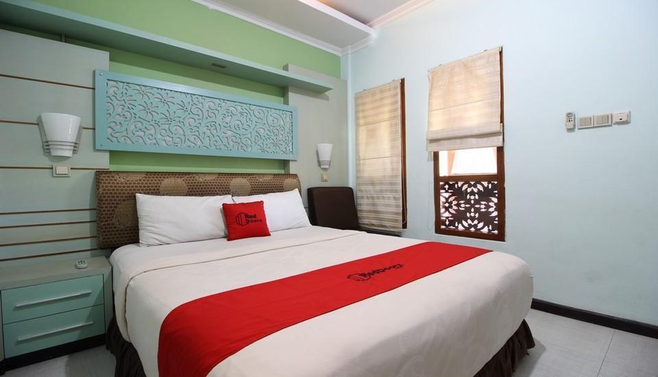 Kamar penginapan di RedDoorz Plus near Tugu Jogja 2