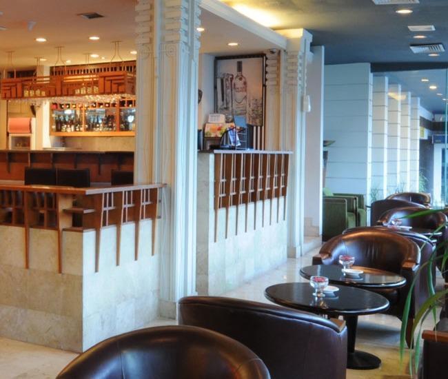 Hotel Savoy Homann Bandung - Bar