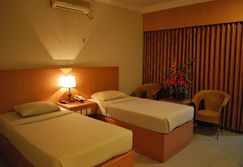 Pelangi Hotel And Resort Tanjung Pinang - KAMAR DELUXE TWIN