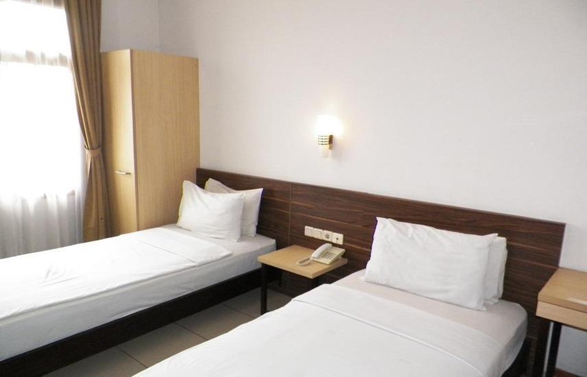 Karmila Hotel Bandung - Room
