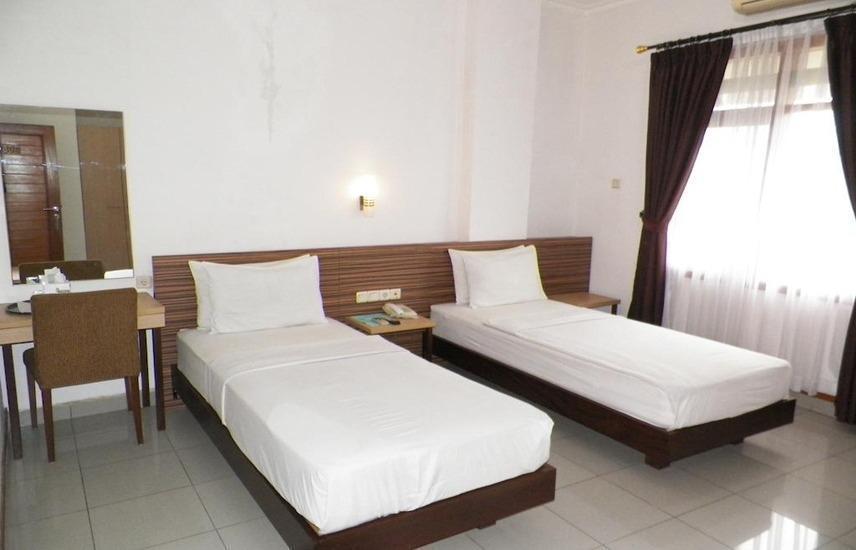 Karmila Hotel Bandung - Executive Twin Bed Regular Plan