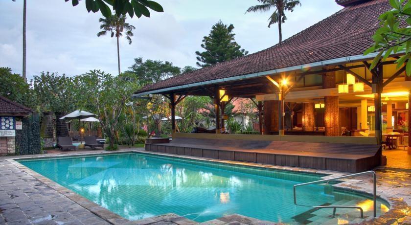 Peneeda View Beach Hotel Bali - Kolam Renang
