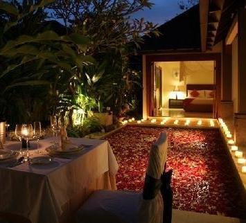 Grand Avenue Bali - Romantic Candle Light Dinner