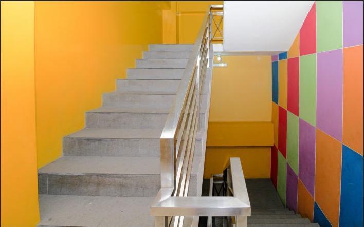 Maumu Hotel Surabaya - Stairs