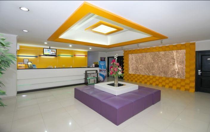 Maumu Hotel Surabaya - Lobby