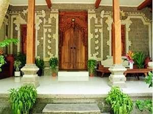Mirah Hotel Banyuwangi - Deluxe Bungalow Exterior