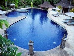 Mirah Hotel Banyuwangi - Swimming Pool