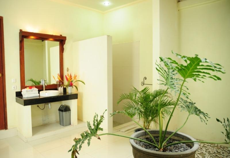 Mirah Hotel Banyuwangi - Superior Bungalows Regular Plan