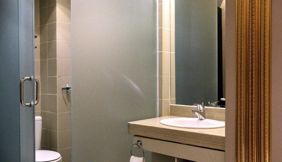 Gajahmada Avara Hotel Pontianak - Las Vegas Room Regular Plan