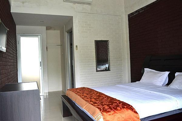 Rorompok Homan Subang - Guest House