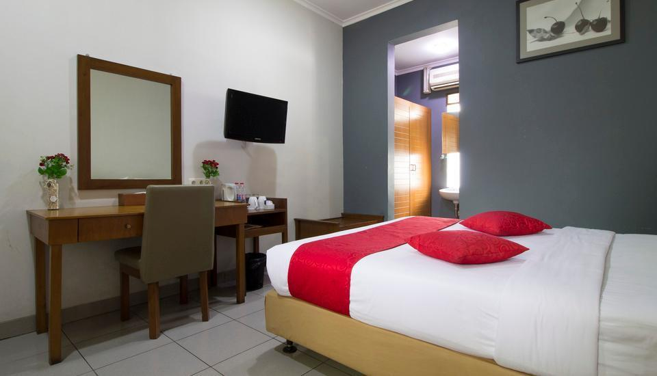 RedDoorz near BTC Bandung - Reddoorz Room Regular Plan