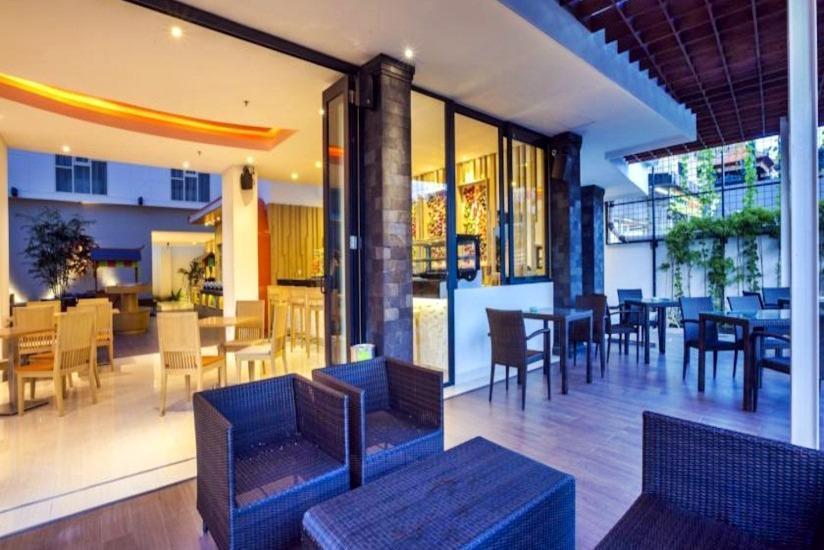 HARRIS Hotel Raya Kuta Bali - Lobi