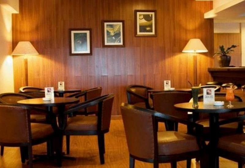 Gumilang Regency Hotel Bandung - Lounge