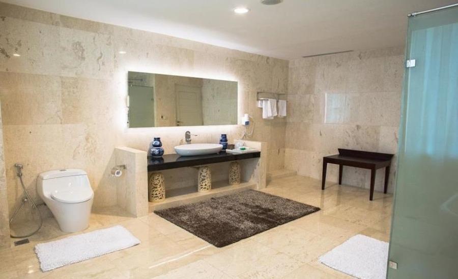 Nam Hotel Kemayoran Jakarta - Kamar mandi
