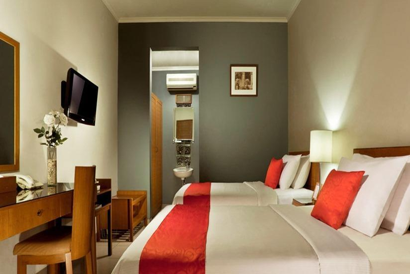 Ilos Hotel Bandung - Superior Room With Breakfast Regular Plan