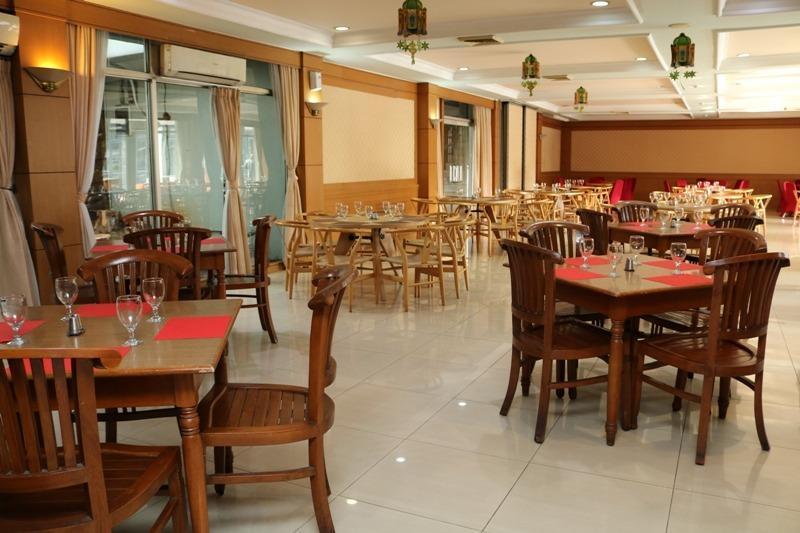 NIDA Rooms Ahmad Yani Cempaka - Restoran