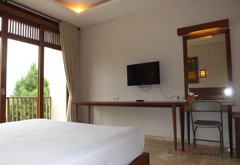 Jimmers Mountain Resort Bogor - Deluxe Room with Breakfast Regular Plan