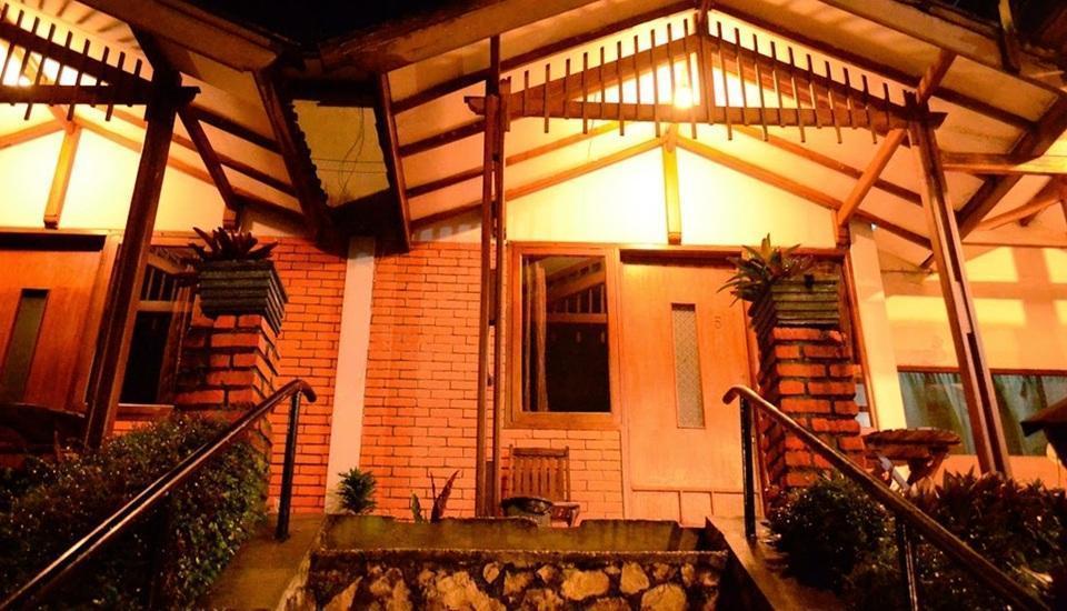 Nur Alam Hotel Lembang - Tampilan Luar Hotel