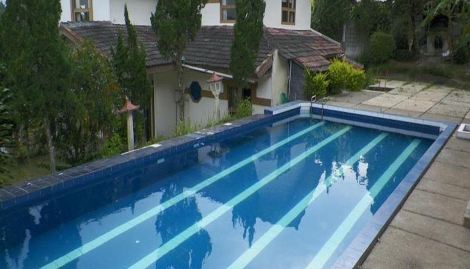 Nur Alam Hotel Lembang - Kolam Renang