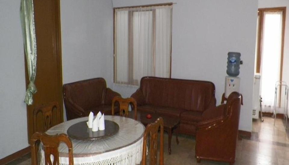 Nur Alam Hotel Lembang - Ruang tamu
