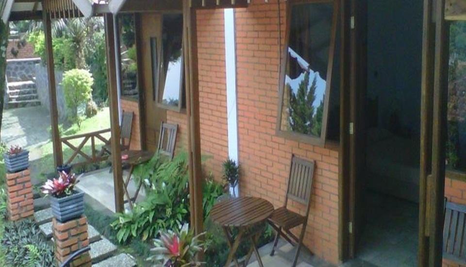 Nur Alam Hotel Lembang - Teras