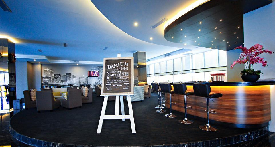 Platinum Balikpapan Hotel And Convention Hall   - Barium Lounge