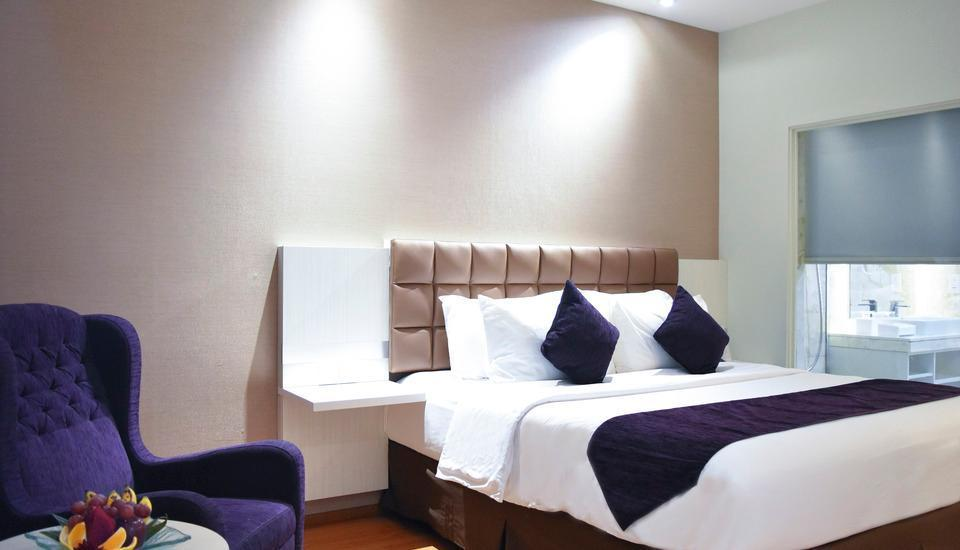 Platinum Balikpapan Hotel And Convention Hall   - Deluxe Quen Room Only Regular Plan