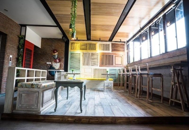 Summerbird Bed and Brasserie Bandung - Interior