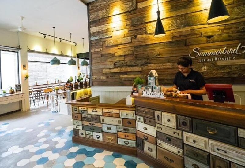 Summerbird Bed and Brasserie Bandung - Resepsionis