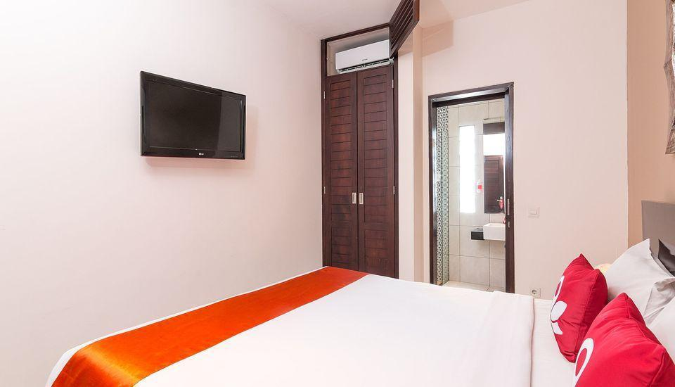 ZenRooms Kuta Theater Bali - Tempat Tidur Double