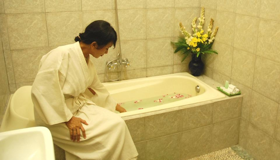 Ndalem Padma Asri Yogyakarta - Kamar mandi suite